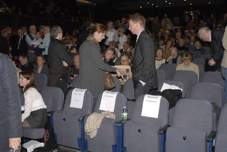 polictis: DENMARK  COPENHAGEN . KATRSTEN REE mojority stock holder in Amaerbanken people crossing on ballat papers  to elect new member of Amagerbaken board membeer at general meeting of Amagerbaken tdoay in Frederiskberg 10 Nov. 2010
