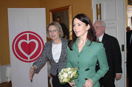 corona de princesa: Participante de la Princesa Mary en dan�s coraz�n Asociaci�n anual cumplea�os de evento en Copenhague Dinamarca Mach 10,2006   Editorial