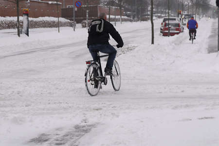 disruption: KASTRUPCOPENHAGENDENMARK _   transport disruption beacuse of ehavy snow today 6 Jan. 2011