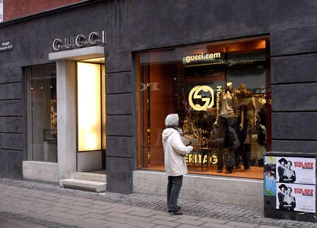 gucci: DENMARK  COPENHAGEN _ Gucci female window shopper for luxery items 2 March 2001