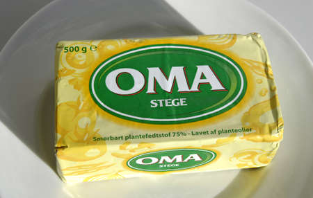 oma: DENMARK  COPENHAGEN _ OMA butter for fried 75% plantstof and made of plante oil  500 gram packet 26 March 2011