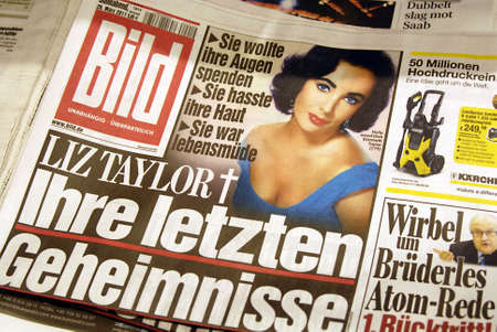 DENMARK  COPENHAGEN _   Late Elizabth Taylor death head line on German Bild paper 27 March 2011       Editorial