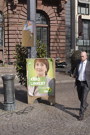 grune: BREMEN _  GEERMANY _kARO lINNERT FROM GREEN PARTY  POSTER Various German political parties elections poster in Bremen city 17 April 2011