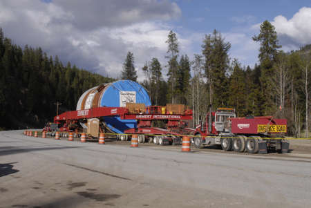 travler: HIGHWAY 12 MONTANA_ MONTANA STATE _ MEGA LOAD OR OVERSIZE LOAD  PARKED AT HIGH WAY 12 FACE TO MISSOULA MONTANA 16 MAY 2011