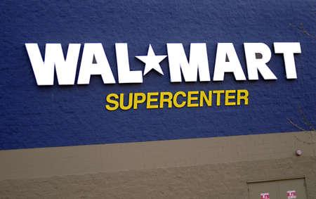 travler: MISSOULA  _ MONTANA STATE _ Walmart supercneter in Missoula Montana 16 May 2011