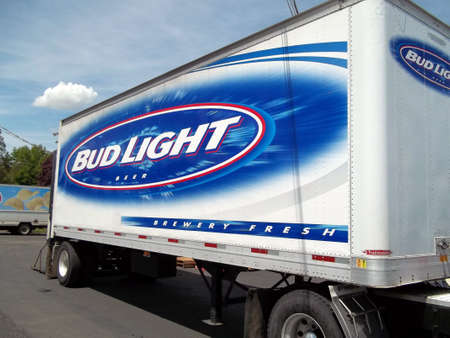 idaho state: LEWISTON  IDAHO STATE USA  _American beer budligh delivery lorry 3 june 2011        Editorial