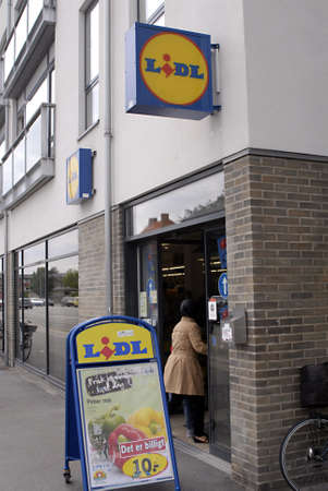 KASTRUPCOPENHAGENDENMARK _ Shoppers at German discount chain food supermerket Lidl in Denmark26 June 2011