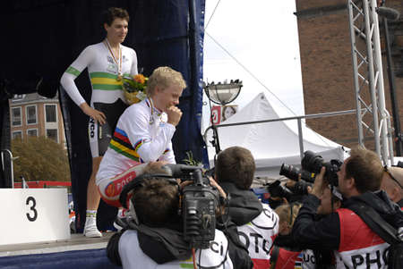 bronz: DENMARK  COPENHAGEN _ UCI 2011 uci road World Championships , Denmarks Gold winner Mads W�rtz Schmidt, 2nd.place silver goes to New Zealand James Oram and 3r.d bronz goes to Australia David Edward in Copenhagen in cycling sport today ceremony took place