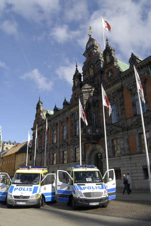 democrat party: SWEDEN  MALMO _  Swedish police secure area infront of Malmo cityhall and center of  city  for sveriges demokarterne(swedish democrat party to before party staged protest raaly against mass immigrantion to Sweden        Editorial