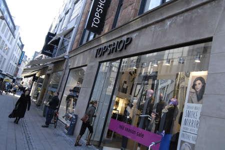 DENMARK  COPENHAGEN _ Consumers seeking mid sseaon sale at Topshop COS and illum 21  Oct. 2011