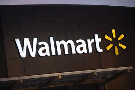 USA/WASHINTON STATE/ CLARKSTON_  Wal-mart ( walmart) super storre 28 Nov. 2011     Editoriali