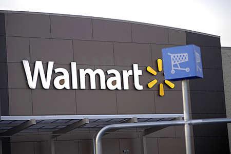 walmart: EE.UU.  WASHINTON ESTADO  CLARKSTON_ Wal-Mart (Wal-Mart) super Storre 28 de noviembre 2011 Editorial