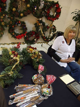 fundraiser: USAIDAHO STATE LEWISTON _Christmas fundraising for Seaport quiltersguild fundraiser quilt and Oppotunities unlimited,inc fair at Lewsiton Center mall today 10 Dec. 2011