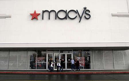 polictics: USAWASHINGTON STATE SPOKANE_  Americas macys chain store 18 Dec. 2011