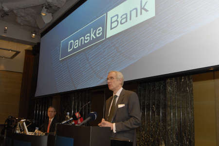DENMARK  COPENHAGEN _ Peter Straarup CEO and Director of Danske Bank high light Danske Bank reports net profti of DDK 1.7 Billion ( EUR232Million)in 2011 at press conference today same time CEO Peter Straarup discolsed 2000 jobs will be reduce lay off in Sajtókép