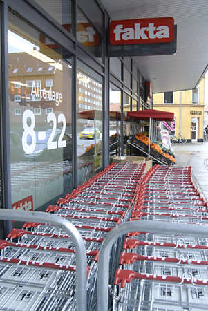 fakta: KASTRUPCOPENHAGENDENMARK _ Faktas store shopping carts are parked outside the store 10 March 2012       Editorial