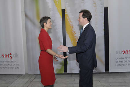 chequer: COPENHAGENDENMARK _Danish minister for Economy and Interioal Ms.Margrethe Vestager welcomes(recieved) british counter part George Osborne The Chancellor of the Exchequer United Kindom at ECOFIN-Informal meeting of the minister of Finance dur danish danis