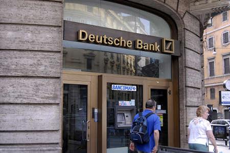 zone euro: ROME  ITALIE _ geerman la Deutsche Bank � Rome le 1 septembre 2012