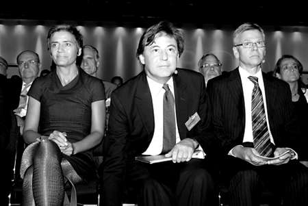 COPENHAGEN/DENMARK _Guest spkeaker John Michlethwait Editor-in-Chief ,The Economist center on his right Ms.Margrethe Vestager danish minister for economy and his left Chairman of danish industry Karsten Dybvad  at Forum at( DITOPM�DET2012) Danish idustry  Stock Photo - 15453278