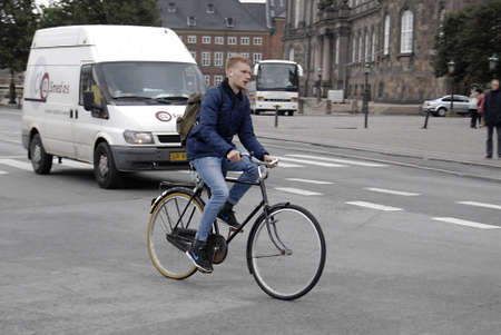 trafic: COPENHAGENDENMARK _ Cyclest in trafic in Copenhagen today on 4 October 2012