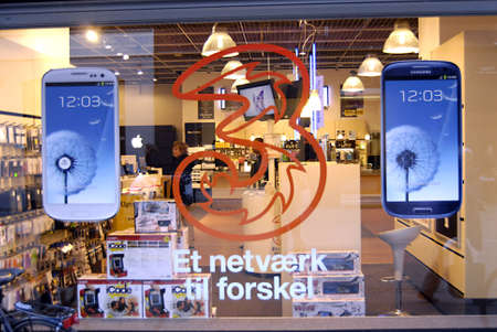 COPENHAGEN/DENMARK _   Newly Samsung tablet display at Fona chain store 11 Oct. 2012      Stock Photo - 15740664