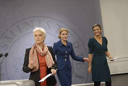 COPENHAGEN/DENMARK _ Ms.Helle Thorning-Schmidt danish prime minieter in blue(c)holds Press meeting with Ms.Margrethe Vestager Minister for Economy and home minister from Radical liberal party  and newly elected SF chairman womam and new Minister for Busin Stock Photo - 15838119