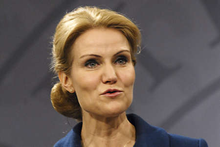 mirro: COPENHAGENDENMARK _ Ms.Helle Thorning-Schmidt danish prime minieter in blue(c)holds Press meeting with Ms.Margrethe Vestager Minister for Economy and home minister from Radical liberal party  and newly elected SF chairman womam and new Minister for Busin