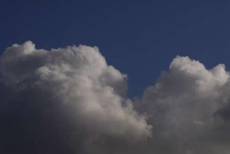 ediroial: Copenhagen  Danimarca. Dom chiaro brillare cieli blu e nuvole bianche 30 ott 2012 Archivio Fotografico