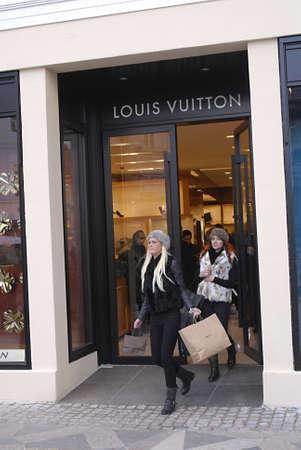 louis vuitton: Copenhagen  Denmark.  Shoppers shopping at Louis Vuitton luxury store at amager torv today 30 Oct. 2012         Editorial