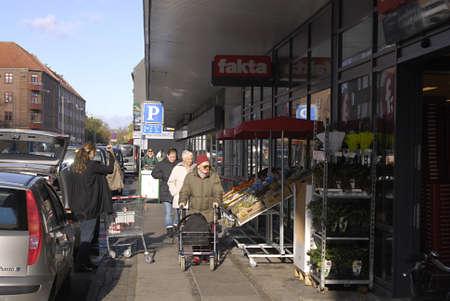 fakta: Copenhagen  Denmark.  Danish fakta food consumers at fkta food supoer market 30 Oct. 2012       Editorial