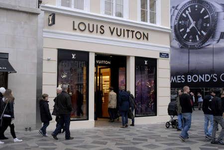 vuitton: Copenhagen  Denmark.  Shoppers shopping at Louis Vuitton luxury store at amager torv today 1.Nov. 2012