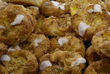 ediroial: Copenhagen Danimarca pasticcini danesi e torte alla fragola vendita presso panificio 2 novembre 2012 Archivio Fotografico