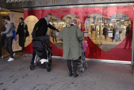 ediroial: Copenhagen  Denmark. Sunday shopper with shopping bags on shoping tour tofday on 4 Nov. 2012