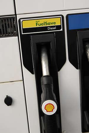 ediroial: Copenhagen  Denmark. Male pumping Shee Duel save Diesel in new Kia auto 7 Nov 2012