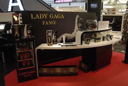 ediroial: Copenhagen  Danimarca. Lady Gaga Fame mostra al grande magazzino Illum 7 Novembre 2012