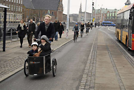 ediroial: Copenhagen  Denmark.  30 percent danesu se  bike or bicyce in daily life  to work or from work and transportto shopping and families and all danish cities have bike land for cyclists 24 No. 2012        Editorial