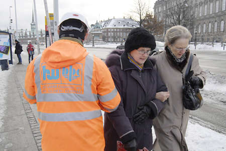 ediroial: Copenhagen  Denmark_Polish immigrant enginneer worker marking ground arround Copenhagen city from CMT construction site 11 Dec. 2012        Editorial