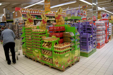 SPELTZFRANCE  _French consumer doing easter shopping one the France super U food store today on 22 Marh 2013