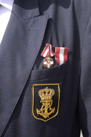 Copenhagen / Danimarca. _Danish Marins (Navel) sindacali celebrats 100 anni jublie quindi alti ufficiali ombelico corteo con le bandiere danesi a Christiansborg grande oggi quadrati di sabato 27 aprile, 2013 Archivio Fotografico - 19295674