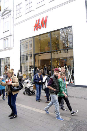 hm: Copenhagen  Denmark.  American enterainer and singler Beyone posters at H&M stores in Copenhagen  while consumer shopping at H&M store today on monday 29 April 2013