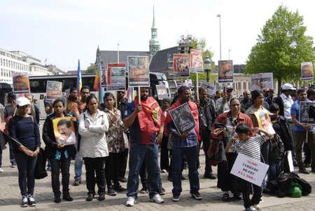 parliaments: Copenhagen  Danimarca.-tamil societ� che vive in Danimarca durante la protesta contro rlly Sri Lanka protesta Governo infront parlamenti dahish Christiansborg 17 maggio, 2013