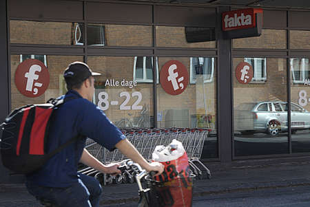 fakta: KASTRUPCOPENHAGENDENMARK _   Fakta and Netto disocunt food super market are closed today due to national  Constitution day today on 5 June 2013