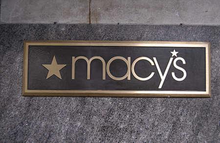macys: Seattle Airport  WASHINGTON STATE  USA _ 9 ottobre 2013 il negozio di Macy in area di business Editoriali