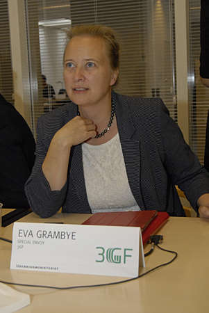 danmark: Copenhagen  Denmark.  14 October 2013_  Ms.Eva Grambye Special envoy head of department 3GF-Global Green Growth Forum holds press briefing for national and interntional press media at Ministry for affair office  and high light the official program today