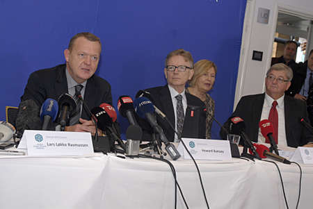 danmark: Copenhagen  Denmark.  20 October 2013_Lars Lokke Rasmussen (Lars Løkke Rasmussen) fomer prime minister of Denmark and present Chair of the council Global Green Growth hold press conference said Sorry to nation and press media at press confernece his trav