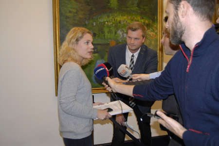 johannes: Copenhagen Denmark-  27 October 2013 _Enhedslisten leader ship Johanne Schmidt-Nielsen (r) Stine Brixz (c) abd Frank Aaen(L) talking to television and print report perior to Meeting with Finance minister and Bjarne Corydan and minister for tax and revune