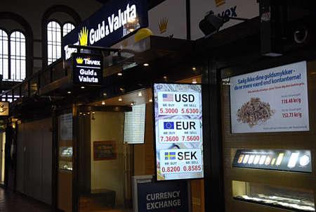 valuta: COPENHAGEN Denmark-   26 January  2014    _Tavex guld og valuta or tavex gold and exchange at central train station