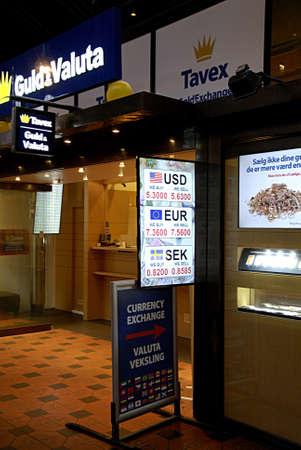 valuta: COPENHAGEN Denmark-   26 January  2014    _Tavex guld og valuta or tavex gold and exchange at central train station        Editorial
