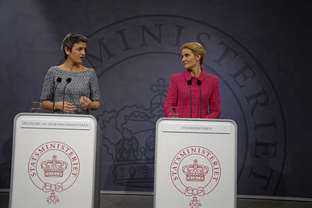 democrat party: COPENHAGEN DENMARK-  03 February  2014 _Denmarks prime minister Ms. Helle Thorning-Schmidt in pink dress and leader of danish social democrat party  and Ms.Margrethe Vestager vice prime minister and minister for economy and home minister right to prime
