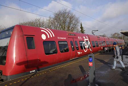 tog: COPENHAGEN DENMARK-  Sundays traveler s with S trian DSB  -S tog        23 Marchi 2014   Editorial